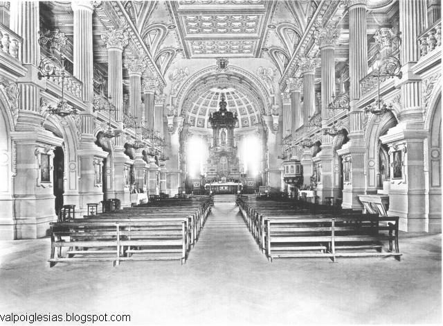 Vista hacia el altar en 1900